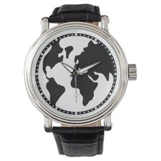 Tierra del planeta reloj de mano