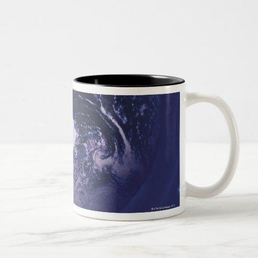 Tierra del planeta taza dos tonos