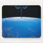 Tierra del transbordador espacial tapetes de ratón