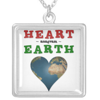 Tierra en forma de corazón collar personalizado