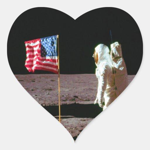 Tierra en la luna y el éxito pegatina en forma de corazón