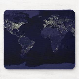 Tierra en la noche alfombrillas de raton