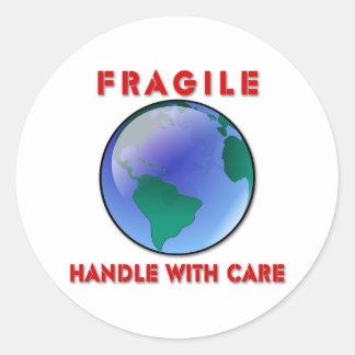 Tierra - frágil etiquetas redondas