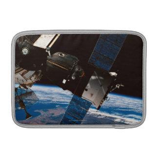 Tierra que está en órbita 6 de la estación espacia funda  MacBook