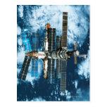Tierra que está en órbita de la estación espacial tarjetas postales