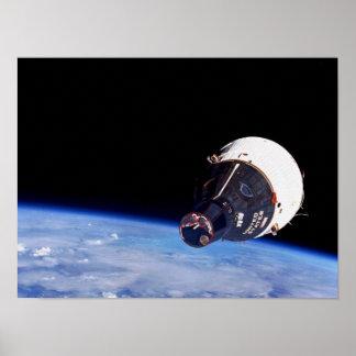 Tierra que está en órbita de los géminis 7 según l impresiones