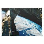 Tierra que está en órbita por satélite 5 manteles