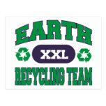 Tierra que recicla el regalo del equipo