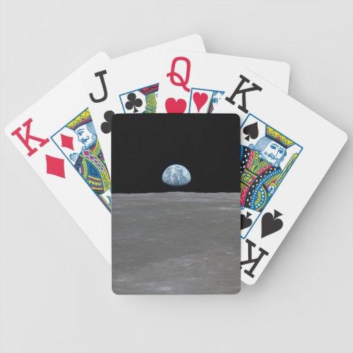 Tierra que sube sobre la luna baraja de cartas bicycle