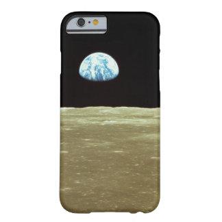 Tierra que sube sobre la luna funda de iPhone 6 barely there