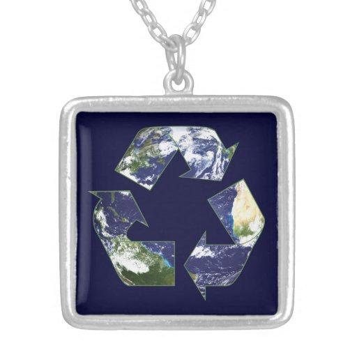 Tierra - reciclando collar plateado
