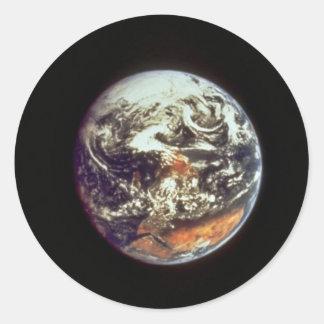 Tierra, vista de Apolo 17, 1972, cortesía de la Pegatina Redonda