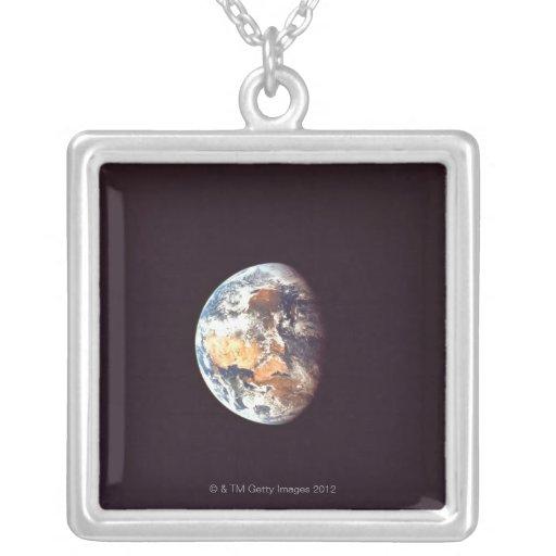 Tierra vista de espacio joyerías