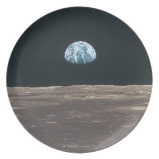 Tierra vista de la luna plato de cena
