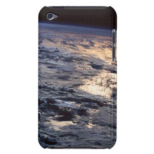 Tierra vista de un satélite barely there iPod protector