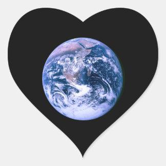 Tierra vista del espacio 'Marble azul Pegatina En Forma De Corazón