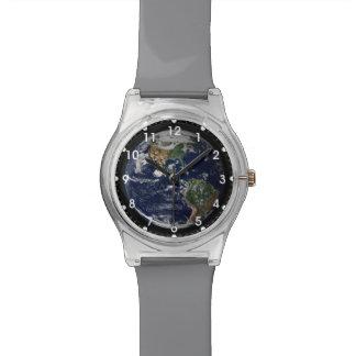 Tierra vista del reloj de la misión de Apolo