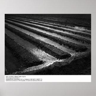 Tierra y agua de Ansel Adams Póster