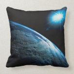 Tierra y estrella del planeta del espacio cojines