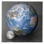 Tierra y luna 2 azulejo cuadrado grande