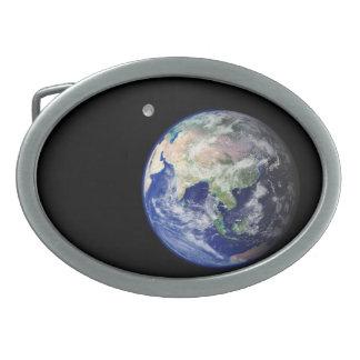 Tierra y luna del espacio hebillas de cinturon ovales