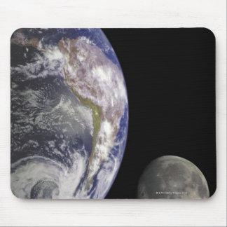 Tierra y luna alfombrillas de ratones
