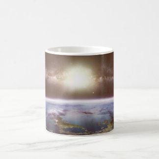 Tierra y taza cambiante del color de Milkyway