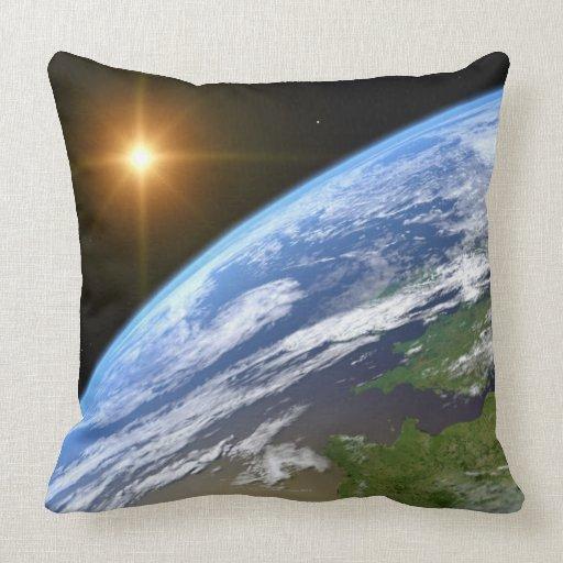 Tierra y una estrella brillante 3 cojín