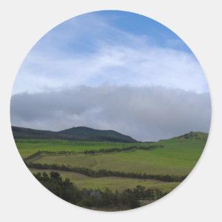Tierras de labrantío verdes de la montaña de Hawai Pegatinas