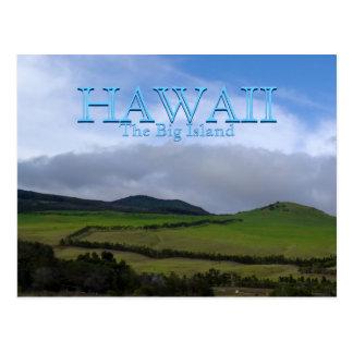 Tierras de labrantío verdes de la montaña de Hawai Tarjeta Postal