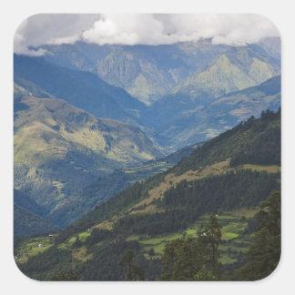 Tierras de labrantío y pueblo en el Himalaya Pegatina Cuadrada