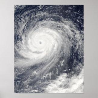 Tifón Choi-WAN al oeste de los Mariana Island Póster