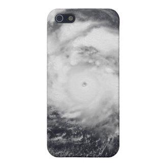 Tifón Damrey en el Océano Pacífico occidental iPhone 5 Fundas