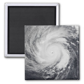 Tifón Faxai en el Océano Pacífico occidental Imán