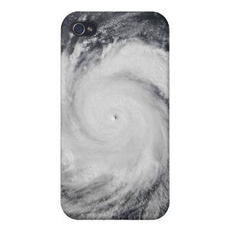 Tifón Faxai en el Océano Pacífico occidental iPhone 4/4S Fundas