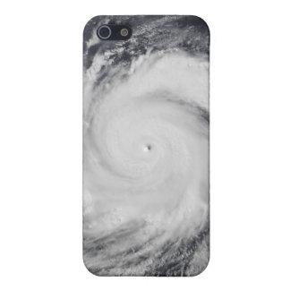 Tifón Faxai en el Océano Pacífico occidental iPhone 5 Funda