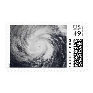 Tifón Faxai en el Océano Pacífico occidental Franqueo