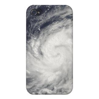 Tifón Lupit sobre el Océano Pacífico occidental iPhone 4/4S Carcasas