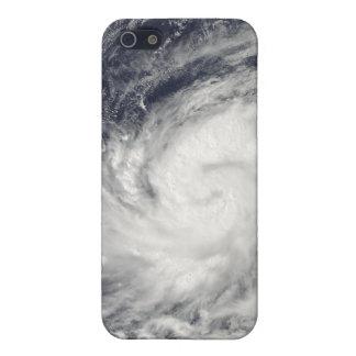 Tifón Lupit sobre el Océano Pacífico occidental iPhone 5 Carcasas