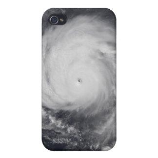 Tifón Maemi en el Océano Pacífico occidental iPhone 4 Carcasa