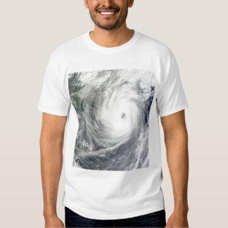 Tifón Megi 4 Camisas