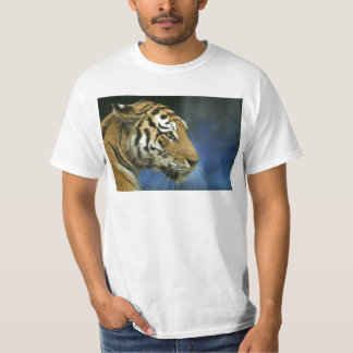 Tiger CloseUp Sideways Photograph T-Shirt