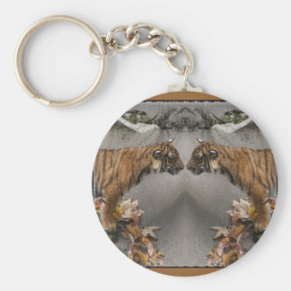 TIGER FACE OFF HIDDEN IMAGE KEY CHAIN