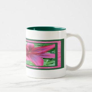 Tiger Lily Burst Mug