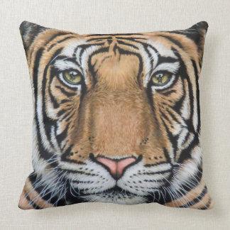 Tiger's leísteis Roar Cojin