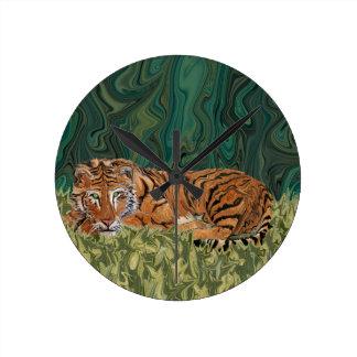 Tiger's Sunday Serendipity Round Clock