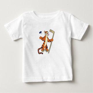 Tigger playing hockey t-shirts