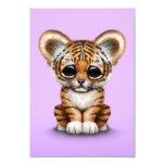 Tigre adorable Cub de bebé en púrpura Invitación 8,9 X 12,7 Cm