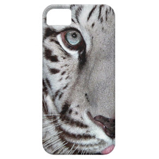 Tigre blanco con una pequeña lengua iPhone 5 cárcasa