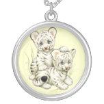 Tigre blanco Cubs del bebé lindo Grimpolas